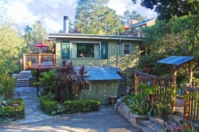 1648 Pineridge Street, Cambria, CA 93428 : Cambria Real Estate