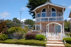 2158 Windsor Blvd., Cambria, CA 93428